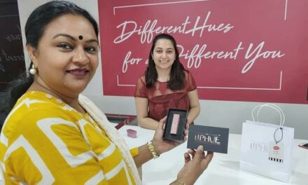 AR helps create customised shades of Lipstick in India